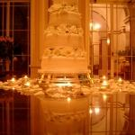 wedding cake roses reflection