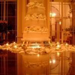 wedding cake roses reflection