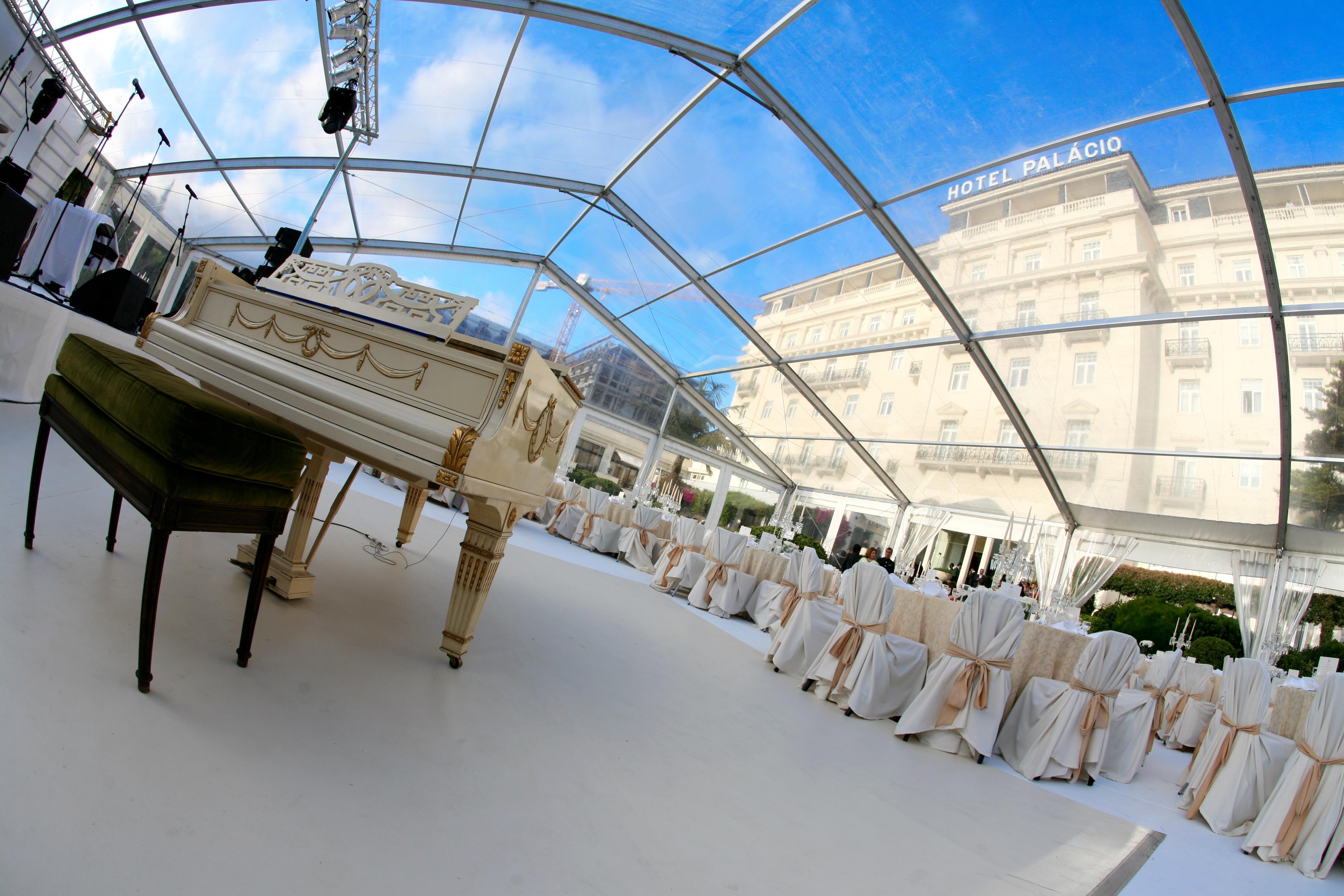 Weddings Abroad grand piano reception